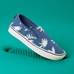 83d578e7bedf16 Vans ComfyCush Summer Leaf Slip-On SF (Classic Navy Marshmallow) found on