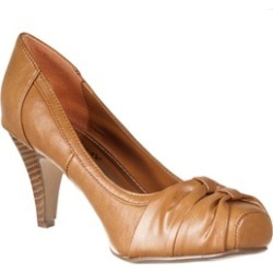 Riverberry Women's 'Canyon' Bow-detail Snip-toe Pumps, Tan