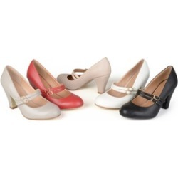 Journee Collection Womens Classic Matte Finish Mary Jane Pumps