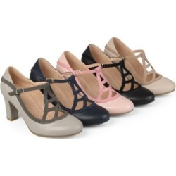 Journee Collection Womens Round Toe Vintage Mary Jane Pumps