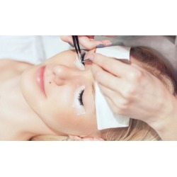 $439 for Advanced Refresher Eyelash Extensions Course at Champagne Lash Bar ($800 Value)