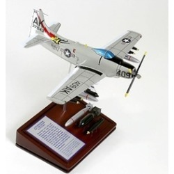 Mastercraft Collection PW10053 A-1H Skyraider USN Model
