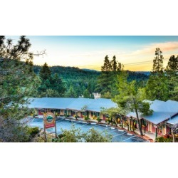 Stay with Optional Bottle of Wine at Idyllwild Bunkhouse in Southern California. Dates into February 2019.