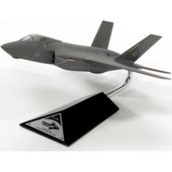 Mastercraft Models MCF35CJN2PU Lockheed F-35C JSF & CV USN - Model Scale 1 by 72