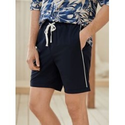 Men Drawstring Waist Contrast Binding Shorts found on Bargain Bro Philippines from Sheinside for $14.00