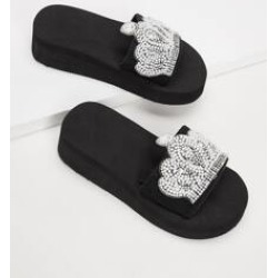 Girls Crown Decor Flat Sliders found on Bargain Bro India from Sheinside for $7.00