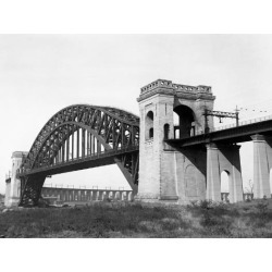 Poster: The Hell Gate Bridge in New York City, 24x18in.
