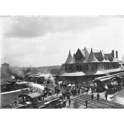 Poster: Busy Train Station in Michigan, 24x18in.
