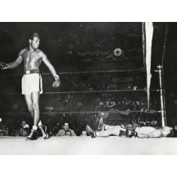 Photo Print: Sugar Ray Robinson, Knocked Out Filipino Flashy Sebastian