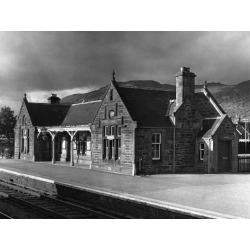 Poster: Victorian Train Station, 24x18in.