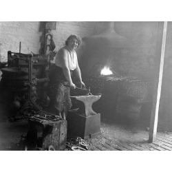 Poster: Female Blacksmith, 24x18in.