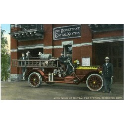 Art Print: Rochester, Minnesota - Central Fire Station Exterior with Fire Truck by Lantern Press: 24x18in