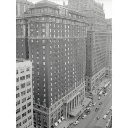 Photographic Print: Hotel Pennsylvania in New York City by Philip Gendreau: 24x18in