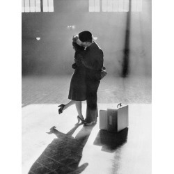 Photographic Print: Couple Kissing in Train Station: 24x18in
