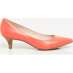Le Chateau Womens - Leather Pointy Toe Pump Shoes in Coral Size 7.5