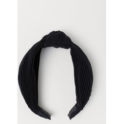 H & M - Hairband with Knot Detail - Black found on Bargain Bro India from H&M (US) for $9.99