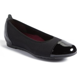 Women's Munro Henlee Cap Toe Flat, Size 10.5 WW - Black found on Bargain Bro India from Nordstrom for $189.95