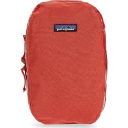 Patagonia Black Hole Cube Medium Dopp Kit, Size One Size - Catalan Coral found on Bargain Bro Philippines from LinkShare USA for $39.00