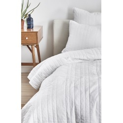 Splendid Home Decor Reversible Coverlet, Size Twin - White found on Bargain Bro India from Nordstrom for $120.00