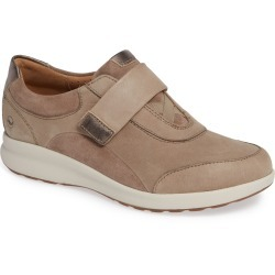 Women's Clarks Un Adorn Lo Sneaker, Size 6.5 M - Grey found on Bargain Bro Philippines from LinkShare USA for $129.95