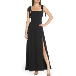 Women's Fame And Partners Tie Shoulder Gown