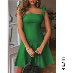 Green Spaghetti Strap Plain Casual Dresses