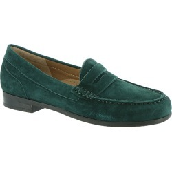 ARRAY Harper Women's Green Slip On 9 W found on Bargain Bro India from Shoemall.com for $79.95