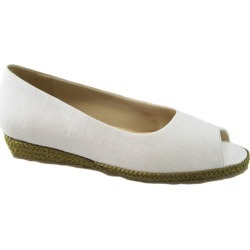 Beacon Tucson Women's White Slip On 7 M