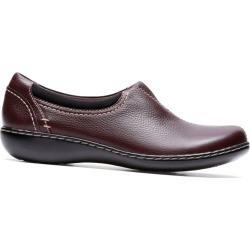 Clarks Ashland Joy Women's Burgundy Slip On 5.5 M found on Bargain Bro India from Shoemall.com for $75.95