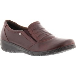 Easy Street Proctor Women's Burgundy Slip On 8.5 W2 found on Bargain Bro India from Shoemall.com for $49.95