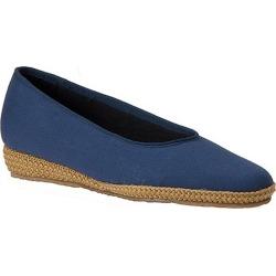 Beacon Women's Phoenix Slip-On Blue Navy Slip On 7.5 W
