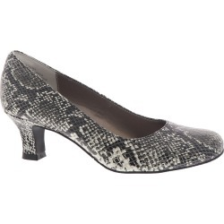 ARRAY FLATTER Women's Black Pump 10.5 M found on Bargain Bro India from Shoemall.com for $79.95