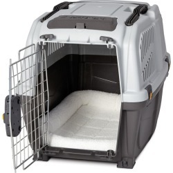 Quiet Time Deluxe Fleece Plastic Carrier Bed 27in found on Bargain Bro India from Horse.com for $23.99