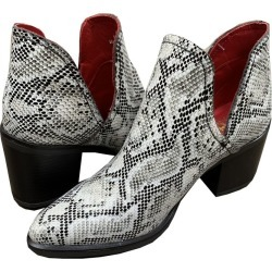 Ferrini Ladies Vibora Round Toe Booties 7 B Tan found on Bargain Bro from Horse.com for USD $75.99