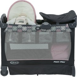 """Graco Pack n Play with Cuddle Cove"""" Removable Seat"""