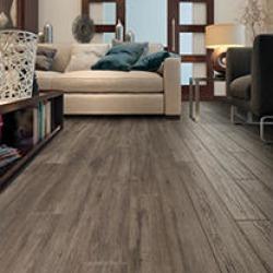Select Surfaces Silver Oak Laminate Flooring 22 boxes