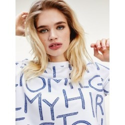 Tommy Hilfiger Women's Oversized Logo Sweatshirt Tommy Spell Out Large / White - XS