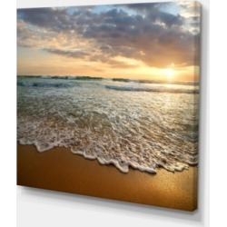 "Designart Bright Cloudy Sunset In Calm Ocean Seashore Canvas Art Print - 40"" X 30"""