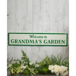 "Vip Home International Metal ""Grandmas Garden"" Sign"
