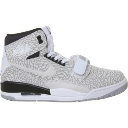 Jordan Legacy 312 Flip (GS) found on Bargain Bro India from StockX Holdings LLC for $95.00