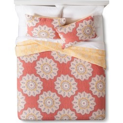 Kari Quilt Set - Red (Full/Queen) - Mudhut found on Bargain Bro India from target for $76.49