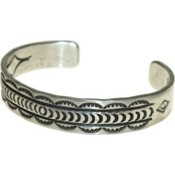 NAVAJO Indian jewelry artist R fence mark bangle silver (Navaho)