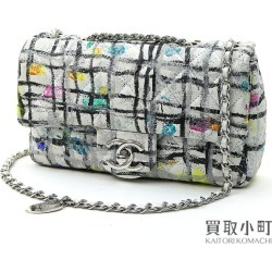 Take Chanel mini-matelasse paint W chain shoulder bag white silver metal fittings classical music flap bag slant; here mark twist Itaru Locke looks and the manner of a child check A92323 #19 Classic Mini Flap Bag Paint