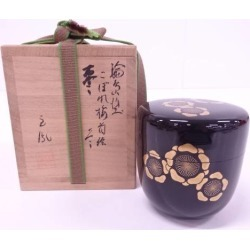 Jujube [tea ceremony / tea set / tea service set / curio / tea / jujube] out of the 玉鳳造輪島塗蒔絵 geisha girl of easy virtue