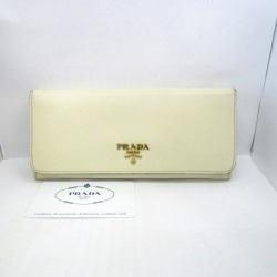 Logo gold Higashiosaka shop 307281 RYB1639 which there is PRADA Prada long wallet long wallet white leather white Lady's coin purse in