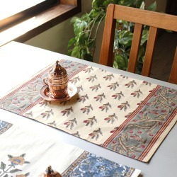 Design red different in luncheon mat / both sides of the xylograph block print cotton