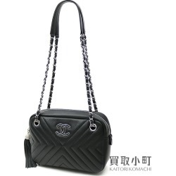 Chanel Chevron quilting tassel chain shoulder camera bag black calfskin here mark classical music fringe V stitch A91777
