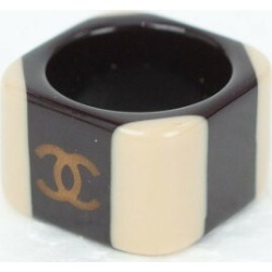 CHANEL square plastic ring
