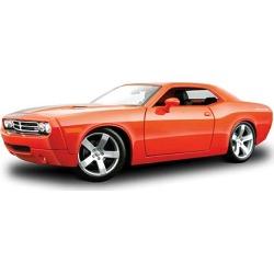 Maisto 36138MOR 1:18 2006 Dodge Challenger Concept in Metallic Orange