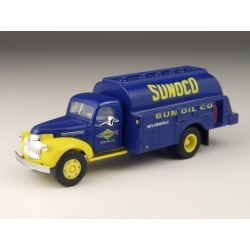 Classic Metal Works 30303 HO 1941-1946 Chevrolet Tank Truck - Sunoco ( found on Bargain Bro Philippines from Trainz for $15.19